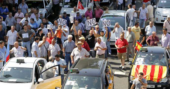Tras la sentencia del Tribunal Supremo queotorga 80 licencias VTCsa dos empresas y que ha abierto el camino a 10.000 que están por llegar, los taxistas se preparan para competir […]