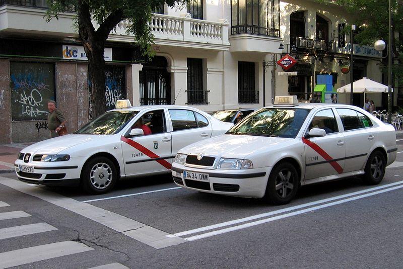 El portavoz del PP en el Ayuntamiento de Madrid, José Luis Martínez Almeida, se ha comprometido con los taxistas a desregular y flexibilizar el sector, al tiempo que ha pedido […]