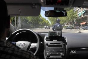 Si esta mañana os anunciábamoscomo Google podría pasar a ser una nueva amenaza para los taxistascon su nueva flota de coches autónomos. Y es que los profesionales del taxi han...