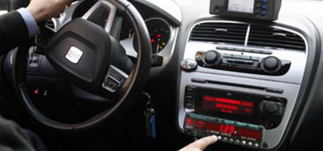 Se refuerza la idea de que el taxi puede pararse con la mano, así como la importancia de pedir ticket en los viajes La Mancomunidad de la Comarca de Pamplona,...