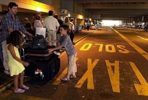 El gremio apremia al ayuntamiento a evitar el daño a la imagen de BCN Chóferes se alzan contra la comisión para cazar turistas en los hoteles CARLOS MÁRQUEZ DANIEL BARCELONA...