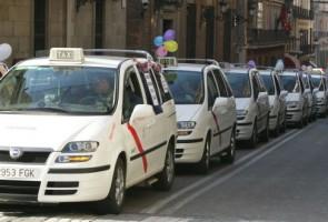 Los taxistas reciben más propinas en Barcelona que en Madrid, en torno a un 11%, según un informe de hábitos de usuarios de la aplicación para móviles Hailo Los taxistas...