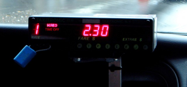 MARIN – El sistema de cobro está ahora establecido por el taxímetro y no por el autopatrono El Concello publicó las nuevas tarifas aplicables al transporte urbano en auto-taxi, que...