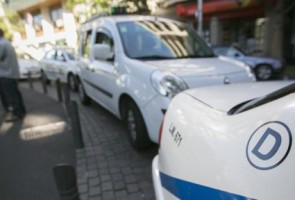 Un informe elaborado por Obras y Servicios fija que la ratio debe bajarse de 4,8 taxis por cada mil habitantes a un máximo de 3,5. El Servicio de Gestión y...