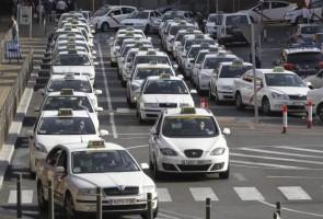 La Federación Profesional del Taxi de Madrid espera que la región siga los pasos de Cataluña y vete el servicio Lapolémica entre los taxistas de Barcelona y Uber, la «app»...